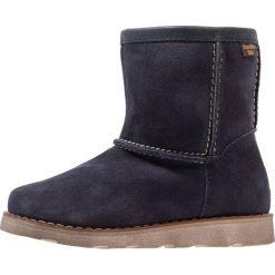 Froddo Śniegowce dark blue. Niebieskie buty zimowe damskie marki Froddo, z materiału, na wysokim obcasie. W wyprzedaży za 174,50 zł.