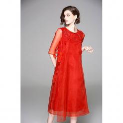 Sukienka w kolorze czerwonym. Czerwone sukienki na komunię marki Zeraco, z dekoltem na plecach, midi. W wyprzedaży za 379,95 zł.