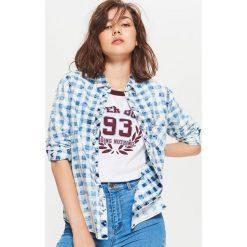 Koszula w kratę z efektem sprania - Granatowy. Niebieskie koszule damskie marki Cropp, m. W wyprzedaży za 39,99 zł.