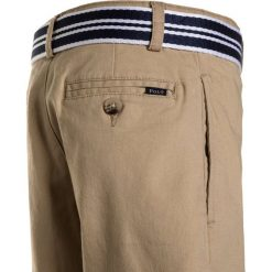 Polo Ralph Lauren SLIM FIT BOTTOMS Szorty coastal beige. Brązowe spodenki chłopięce Polo Ralph Lauren, z bawełny. Za 249,00 zł.