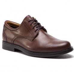 Półbuty CLARKS - UnAldricTieGtx GORE-TEX 261389117 Brown Leather. Brązowe półbuty skórzane męskie Clarks. W wyprzedaży za 409,00 zł.