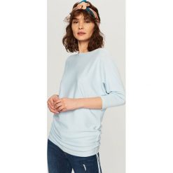 Swetry damskie: Sweter ze ściągaczami z boku - Niebieski
