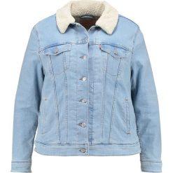 Bomberki damskie: Levi's® Plus SHERPA TRUCKER Kurtka jeansowa west alley