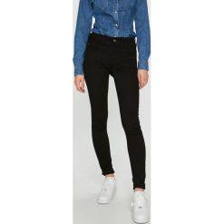 G-Star Raw - Jeansy Lynn. Czarne jeansy damskie marki G-Star RAW, z bawełny. W wyprzedaży za 399,90 zł.