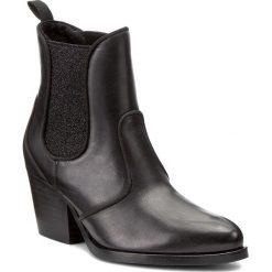 Botki GUESS - Juditta FLJUD3 LEA09 BLACK. Czarne botki damskie skórzane marki Guess. W wyprzedaży za 379,00 zł.