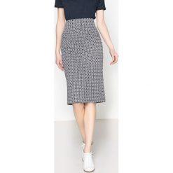 Minispódniczki: Spódnica ołówkowa w geometryczne wzory