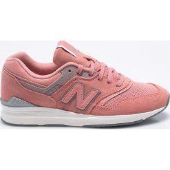 New Balance - Buty WL697CM. Różowe buty sportowe damskie marki New Balance, z materiału. W wyprzedaży za 329,90 zł.