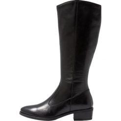 Pier One Kozaki black. Czarne buty zimowe damskie marki Pier One, z materiału. Za 419,00 zł.