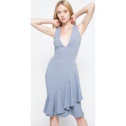 Missguided - Sukienka. Szare sukienki balowe marki Missguided, z poliesteru, mini, proste. W wyprzedaży za 99,90 zł.