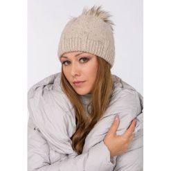 Czapki zimowe damskie: Akrylowa czapka z pomponem
