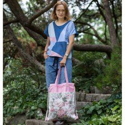 Torba worek w kwiaty. Czerwone torebki klasyczne damskie marki Pakamera, w kwiaty, z bawełny. Za 85,00 zł.