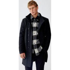 Płaszcz z flauszu z zapięciem z boku. Brązowe płaszcze na zamek męskie marki Cropp, na zimę, l, sportowe. Za 299,00 zł.