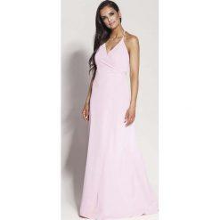 Różowa Elegancka Długa Sukienka Wiązana na Szyi. Czerwone długie sukienki Molly.pl, na imprezę, na lato, l, eleganckie, z kopertowym dekoltem, z długim rękawem, dopasowane. Za 288,90 zł.