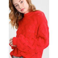 Swetry klasyczne damskie: Soaked in Luxury FRIDA Sweter fiery red