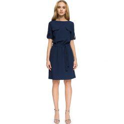 FIFI Przewiązana sukienka z kieszeniami - granatowa. Niebieskie sukienki hiszpanki Stylove, na co dzień, sportowe, sportowe. Za 139,99 zł.