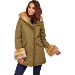 Płaszcz zimowy w kolorze khaki. Brązowe płaszcze damskie zimowe marki Snowie Collection, s. W wyprzedaży za 272,95 zł.
