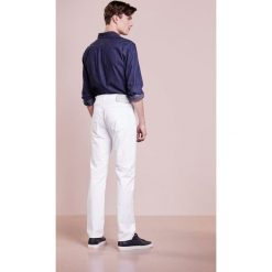 Baldessarini JACK Jeansy Straight Leg white. Białe jeansy męskie marki Baldessarini. Za 499,00 zł.