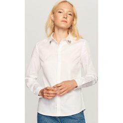 Koszula z ozdobnym kołnierzem - Biały. Białe koszule damskie marki Adidas, m. Za 99,99 zł.