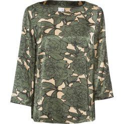 Bluzka bonprix oliwkowo-biel wełny z nadrukiem. Zielone bluzki z odkrytymi ramionami marki bonprix, z nadrukiem, z wełny, eleganckie, z okrągłym kołnierzem. Za 84,99 zł.