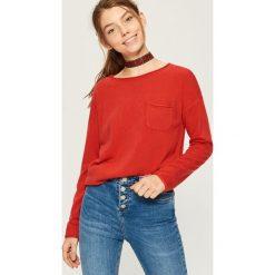 Sweter z kieszenią - Czerwony. Czerwone swetry klasyczne damskie Sinsay, l. Za 39,99 zł.