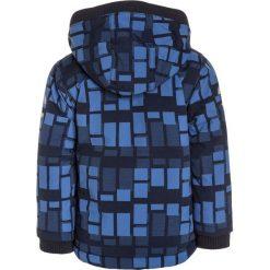 Mikkline JACKET Kurtka zimowa delft blue. Niebieskie kurtki chłopięce zimowe marki mikk-line, z jeansu. W wyprzedaży za 246,35 zł.