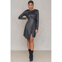 Sukienki: NA-KD Party Błyszcząca sukienka z długim rękawem – Grey,Silver