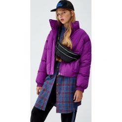 Różowa kurtka pikowana. Fioletowe kurtki damskie pikowane marki Pull&Bear. Za 139,00 zł.