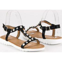 Płaskie sandały z dżetami MERG czarne. Białe sandały damskie marki Merg. Za 49,90 zł.