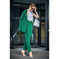Spodnie z paskiem wysoki stan s124. Zielone spodnie z wysokim stanem Style, z haftami. Za 139,00 zł.