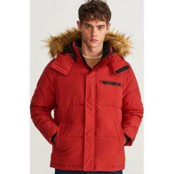 Pikowana kurtka z kapturem - Czerwony. Czerwone kurtki męskie bomber Reserved, l, z kapturem. Za 239,99 zł.