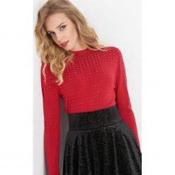 Dopasowany sweter z koralikami. Czarne swetry rozpinane damskie marki Orsay, xs, z bawełny, z dekoltem na plecach. Za 89,99 zł.