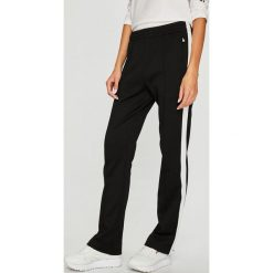 Calvin Klein Jeans - Spodnie. Szare jeansy damskie marki Calvin Klein Jeans. Za 499,90 zł.