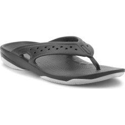 Japonki CROCS - Swiftwater Deck Flip M 204961 Black/Light Grey. Czarne chodaki męskie Crocs, z tworzywa sztucznego. Za 149,00 zł.