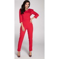 Czerwony Elegancki Kombinezon z Falbanką na Ramieniu. Czerwone kombinezony eleganckie marki Molly.pl, l, z dekoltem na plecach, z długim rękawem, długie. W wyprzedaży za 130,11 zł.