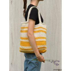 Szydełkowa torba w pasy biało-żółte. Białe torebki klasyczne damskie Pakamera, z bawełny. Za 129,00 zł.