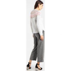 Swetry klasyczne damskie: Springfield Sweter greys