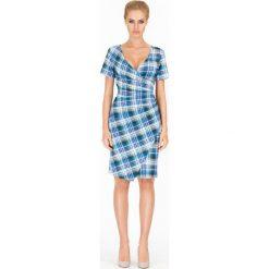 Sukienki: Sukienka w Kratę z Głębokim Dekoltem Wzór 2