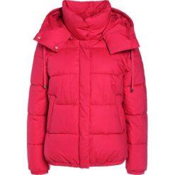 Bomberki damskie: CLOSED BOUCK Kurtka zimowa vegas red