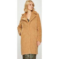 Vero Moda - Płaszcz. Brązowe płaszcze damskie pastelowe Vero Moda, l, z poliesteru, klasyczne. W wyprzedaży za 269,90 zł.
