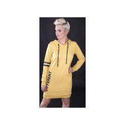 """Sukienka """"Different Yellow"""" - Bohater x Paula Tomczyk. Czarne sukienki dzianinowe marki Sinsay, l, z kapturem. Za 104,30 zł."""