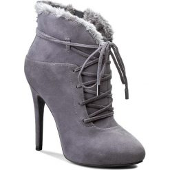 Botki GUESS - Sidelia FLSID4 SUE9  DGREY. Szare buty zimowe damskie Guess, ze skóry ekologicznej, na obcasie. W wyprzedaży za 559,00 zł.