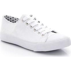 Tenisówki płócienne 26-39. Czerwone buty sportowe dziewczęce marki La Redoute Collections, z bawełny. Za 44,06 zł.