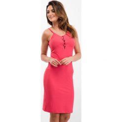 Sukienki: Koralowa sukienka z wiązaniem na dekolcie 3550