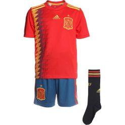Adidas Performance FEF SPANIEN HOME YOUTHKIT SET Krótkie spodenki sportowe red/bogold. Czerwone spodenki chłopięce adidas Performance, z materiału, sportowe. Za 449,00 zł.