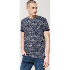 T-shirty męskie: T-shirt z morskim printem all over – Granatowy