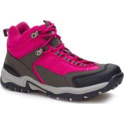 Buty trekkingowe w kolorze fuksji. Czerwone buty trekkingowe chłopięce marki Kimberfeel, z materiału. W wyprzedaży za 129,95 zł.