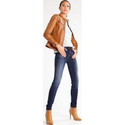 Lee SCARLETT Jeans Skinny Fit night porter. Niebieskie jeansy damskie relaxed fit marki Lee. W wyprzedaży za 223,30 zł.