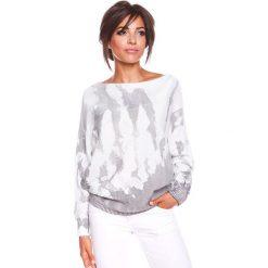 """Sweter """"Charlie"""" w kolorze biało-szarym. Białe swetry klasyczne damskie marki 100% Maille, s, z dekoltem w łódkę. W wyprzedaży za 129,95 zł."""