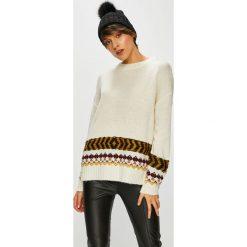 Medicine - Sweter Hand Made. Szare swetry klasyczne damskie marki MEDICINE, l, z dzianiny, z okrągłym kołnierzem. Za 99,90 zł.