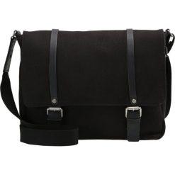 Jost Torba na ramię schwarz. Czarne torby na ramię męskie Jost, na ramię, małe. Za 539,00 zł.